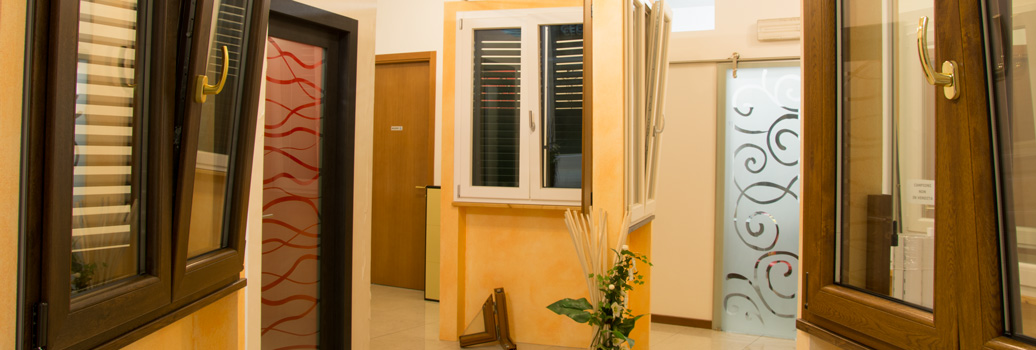Infissi in pvc porte finestre portoni ceccarelli - B b le finestre sul centro jesi an ...